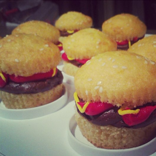 cupcakes hamburger